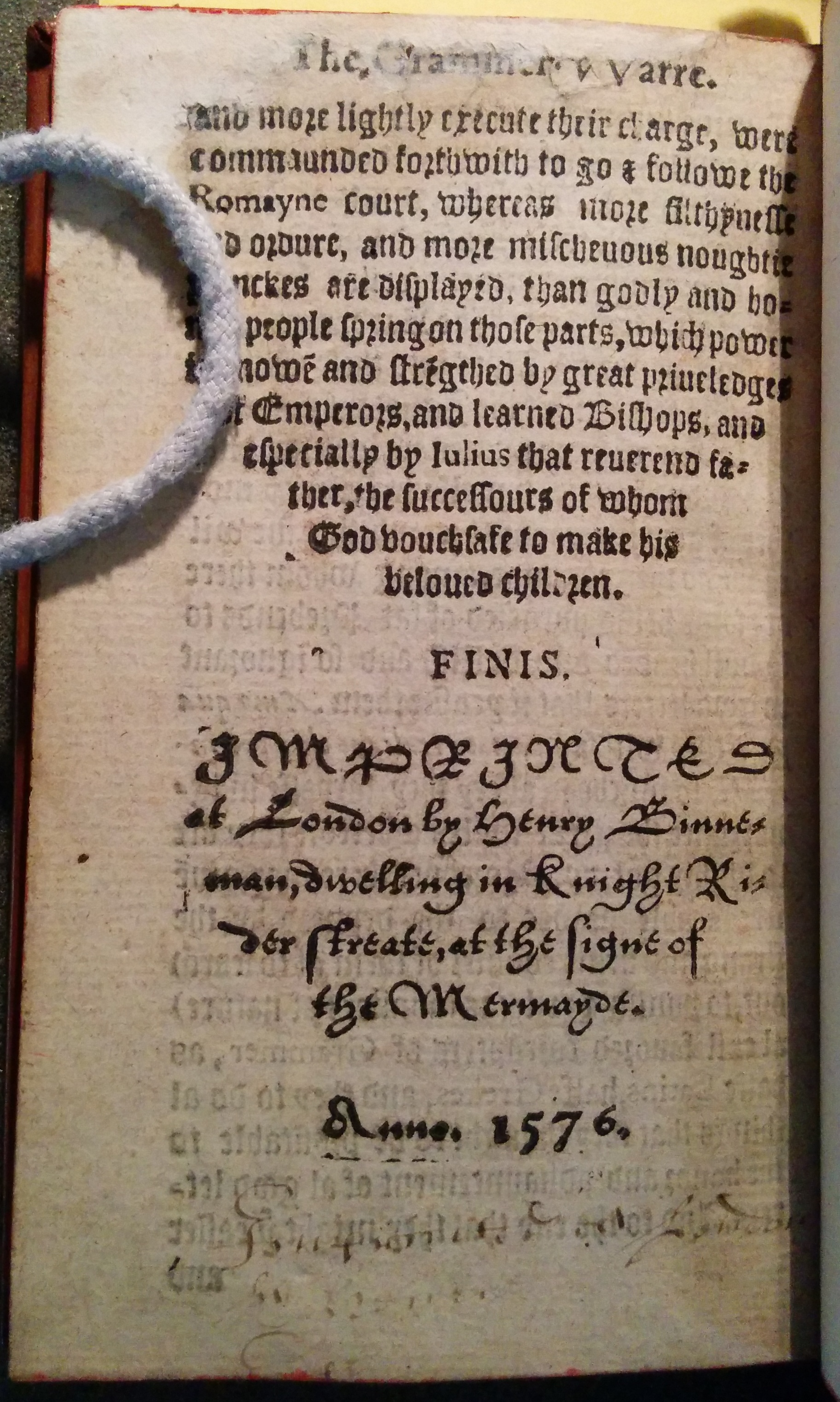 Colophon of Folger copy of STC 12420. An early reader tried copying the secretary type of the colophon in a secretary hand.