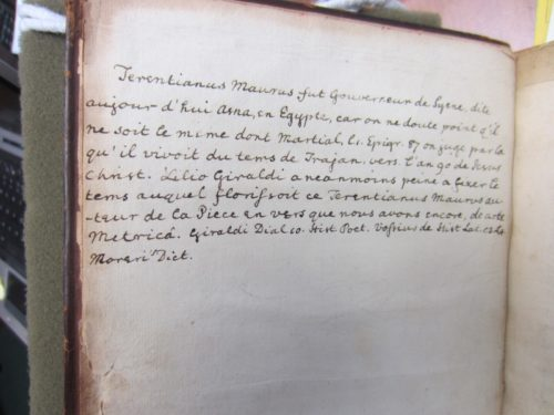 The manuscript note on the flyleaf facing the title page discusses the identity of the author of the book (PA 6754 .T6 1531) (Photograph by Caroline Duroselle-Melish)